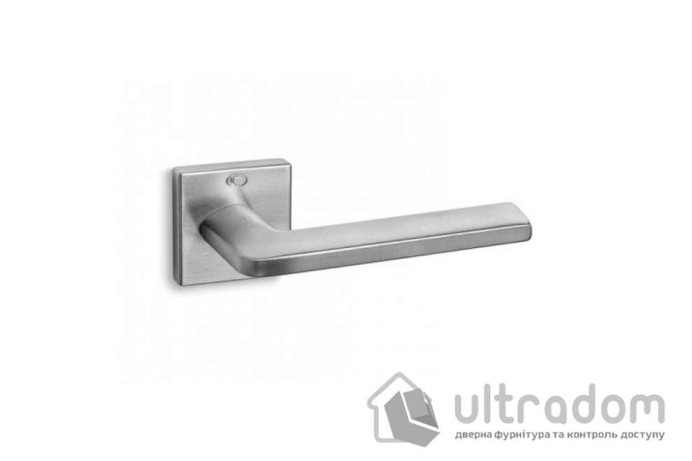 Ручка дверная Convex 1085 на квадратной розетке матовый хром