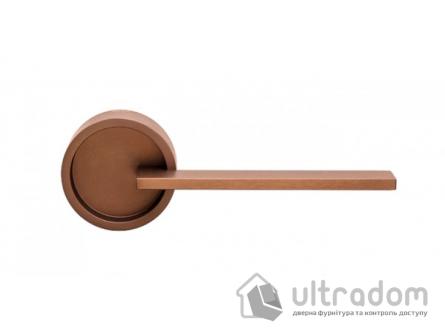 Дверная ручка DND by Martinelli TIMELESS на круглой розетке FINE бронза
