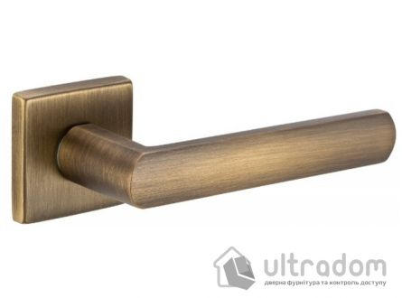 Дверная ручка DND by Martinelli LUCE 02 на квадратной розетке VIS матовая бронза