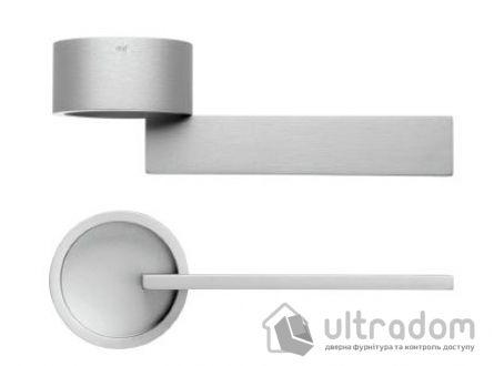 Дверная ручка DND by Martinelli TIMELESS на круглой розетке FINE серебро
