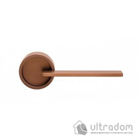 Дверная ручка DND by Martinelli TIMELESS на круглой розетке FINE бронза image